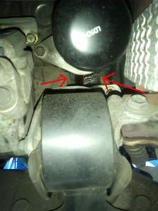 エンジンオイル漏れ原因